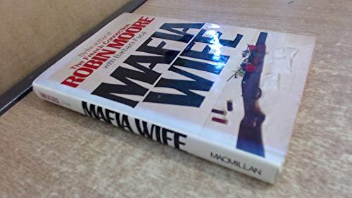 Mafia wife.: MOORE, ROBIN with FUCA, BARBARA