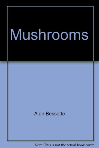 9780026152600: Mushrooms: A quick reference guide to mushrooms of North America (Macmillan field guides)