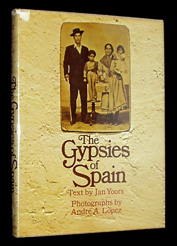 9780026329903: The Gypsies of Spain