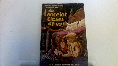 9780027823202: The Lancelot Closes at Five