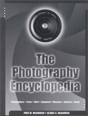 9780028654836: Photography Encyclopedia