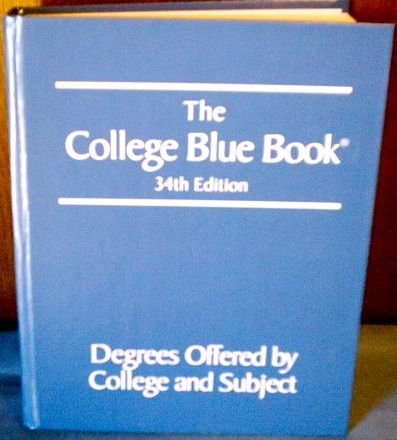 9780028660097: Degrees Offered By College and Subject (The College Blue Book, 3)