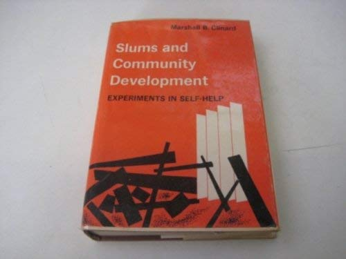9780029055700: Slums and Community Development