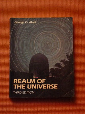 9780030160875: Abell's Realm of the Universe