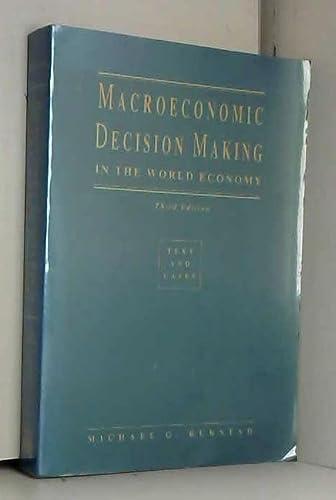 9780030747335: Macroeconomic Decision Making