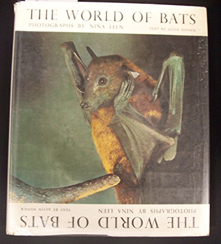 9780030828751: The world of bats