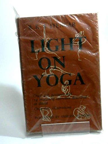 9780041490022: Light on Yoga