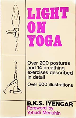 9780041490350: Light On Yoga (Mandala Books)