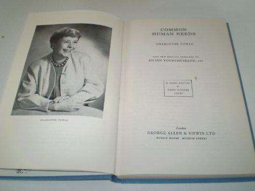 9780043090060: Common Human Needs (National Institute Social Services Library)