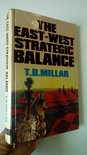9780043550151: East/West Strategic Balance