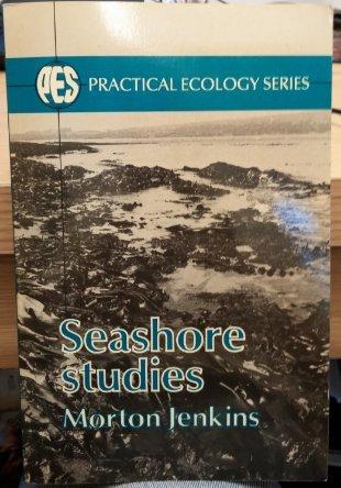 9780045740192: Seashore Studies (Practical ecology series)