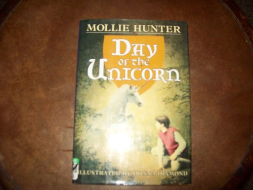 9780060210625: Day of the Unicorn (A Knight of the Golden Plain Story)