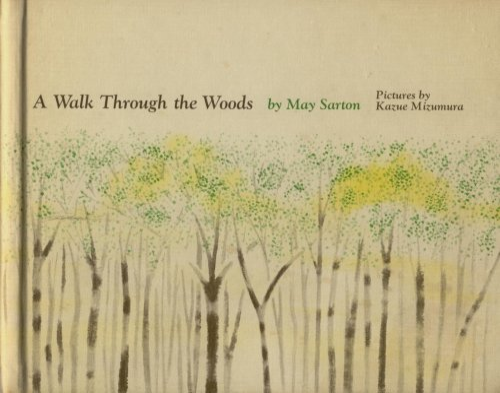 9780060251895: A walk through the woods