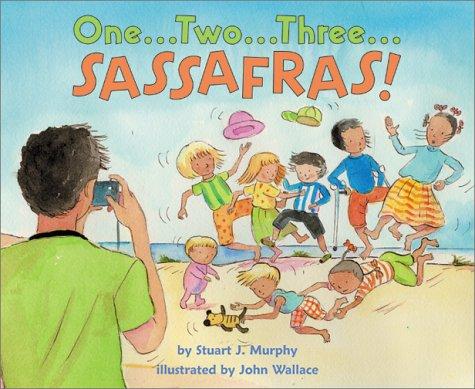 9780060289171: One-- Two-- Three-- Sassafras! (Mathstart: Level 1 (HarperCollins Library))