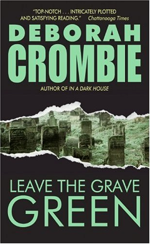 9780060789558: Leave the Grave Green