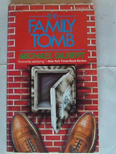 9780060807955: The Family Tomb