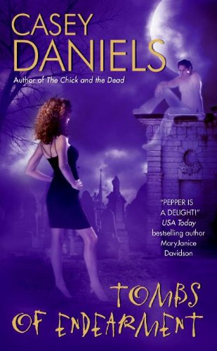 9780060821500: Tombs of Endearment (Pepper Martin Mysteries, No. 3)