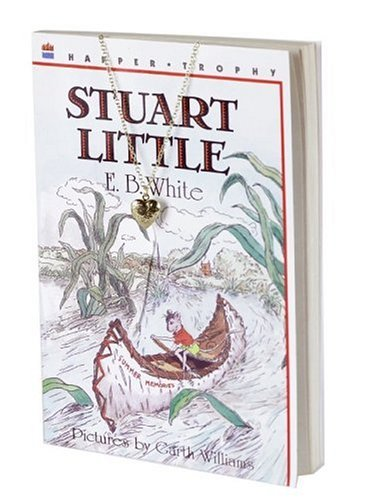 9780060823344: Stuart Little Book and Charm (Charming Classics)