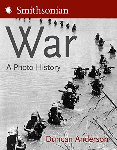 9780060849955: War: A Photo History