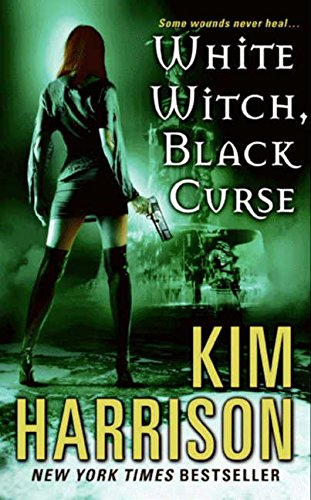 9780061138027: White Witch, Black Curse (The Hollows, Book 7)