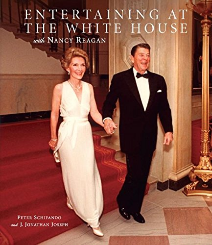 9780061350122: Entertaining at the White House with Nancy Reagan