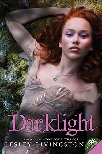 9780061575426: Darklight (Wondrous Strange (Quality))