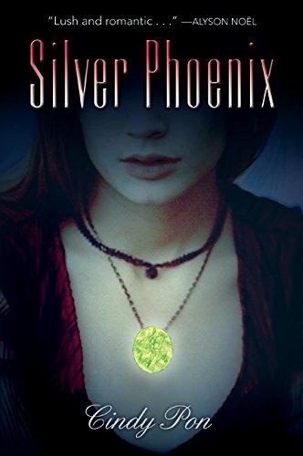 9780061730245: Silver Phoenix