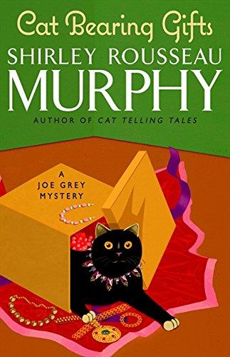 9780061806940: Cat Bearing Gifts (Joe Grey Mysteries)