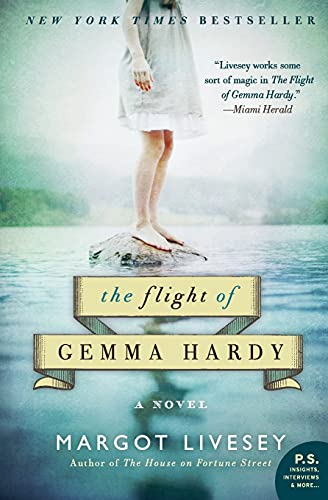 9780062064233: The Flight of Gemma Hardy
