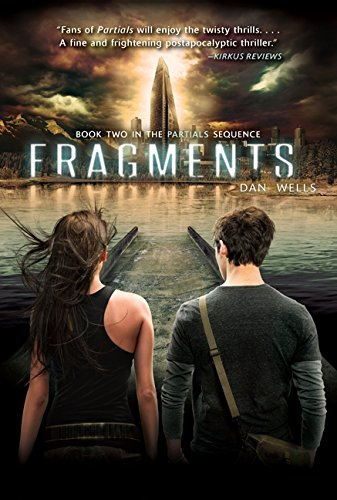 9780062071088: Fragments (Partials Sequence)