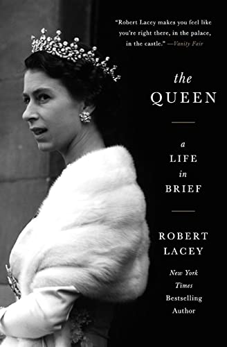 9780062124463: The Queen: A Life in Brief