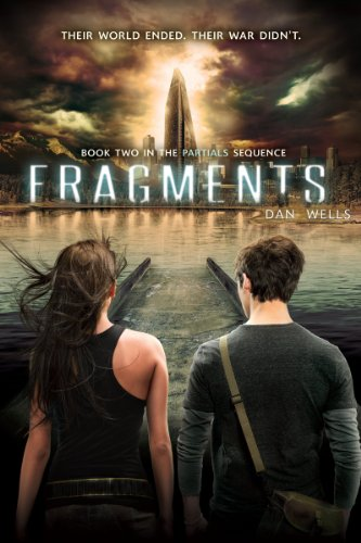 9780062260918: Fragments (The Partials Sequence)