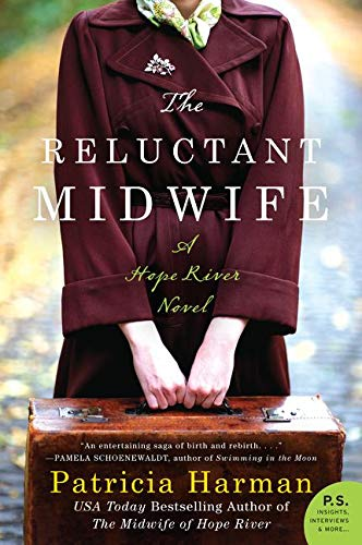 9780062358240: The Reluctant Midwife: A Hope River Novel