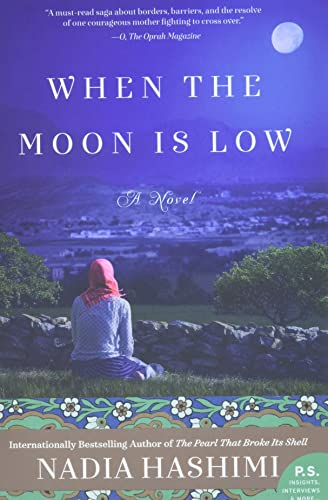 9780062369611: When the Moon Is Low: A Novel