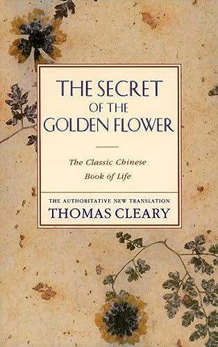 9780062501936: The Secret of the Golden Flower