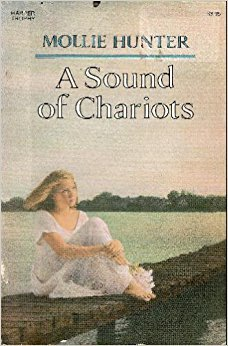 9780064402354: A Sound of Chariots