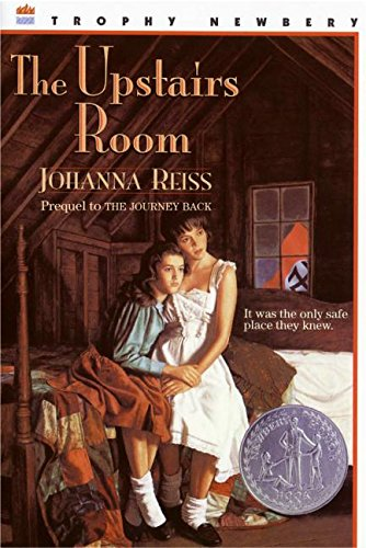 9780064403702: The Upstairs Room (Trophy Newbery)