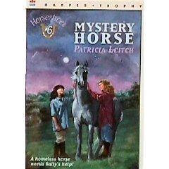 9780064406390: Mystery Horse (Horseshoes)