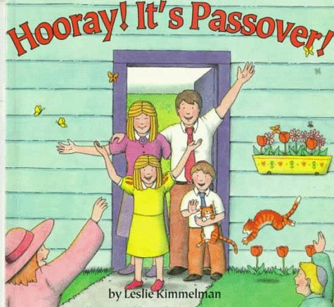 9780064434775: Hooray! it's Passover!
