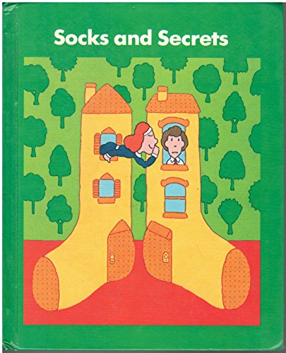 9780065170078: Socks and Secrets (readingbasicsplus)