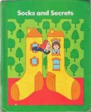 9780065171075: Socks And Secrets