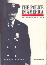9780070678699: The Police in America: An Introduction