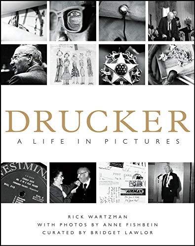 9780071700467: Drucker: A Life in Pictures (Business Books)