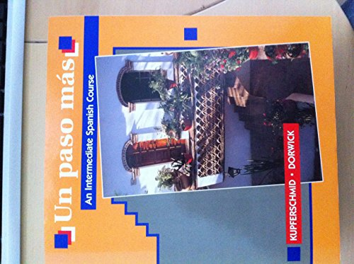 9780075576419: Un Paso Mas: An Intermediate Spanish Course