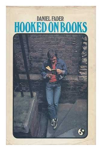 9780080064383: Hooked on Books (English Library)