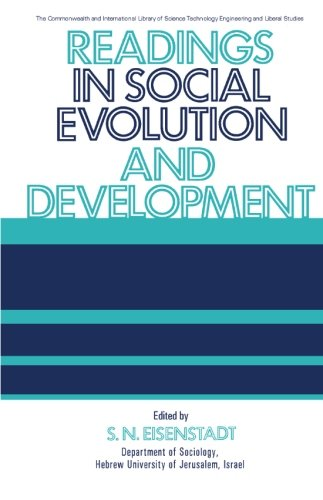 9780080068121: Readings in Social Evolution and Development: The Commonwealth and International Library: Readings in Sociology (C.I.L.)