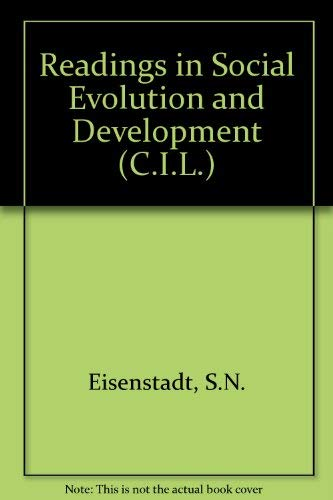9780080068138: Readings in social evolution and development, (The Commonwealth and international library. Readings in sociology)