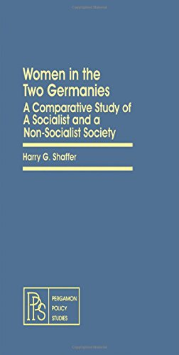 9780080238623: Women in the Two Germanies: A Comparative Study of a Socialist and a Non-socialist Society (Pergamon policy studies on social issues)