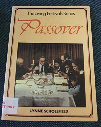 9780080278681: Passover (Living Festivals)