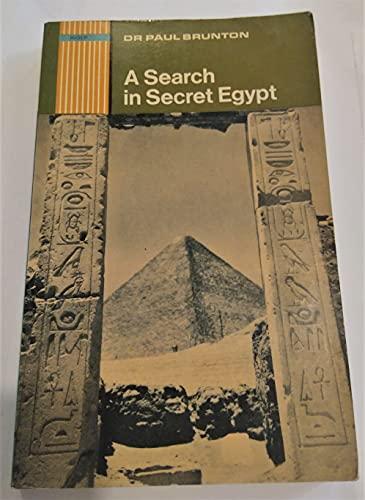 9780090413317: A search in secret Egypt